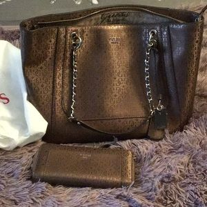 Guess Purse and Wallet/Wristlet